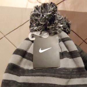 Kid's Nike hat set